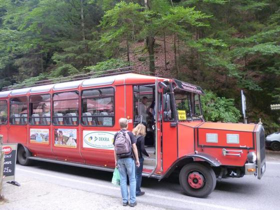 Einstieg in Nationalpark-Express in Hrensko