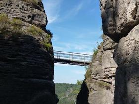 Übergang von einem Fels zum anderen in der Felsenburg Rathen