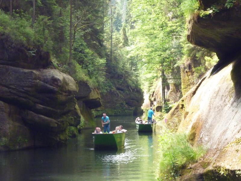 """Bootsfahrt auf dem See in der """"Edmundsklamm"""""""